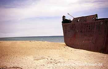 Usbekistan: Schiffsfrack am Aralsee