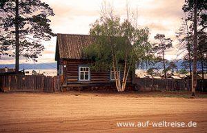 Russland, Baikalsee, Westufer, Sibirien, Haus, Baum, Staub, Wasser, Bäume, Holzhaus