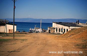 Russland, Baikalsee, Westufer, Sibirien, Haus, Baum, Staub, Wasser, Bäume, Holzhaus, Hafen
