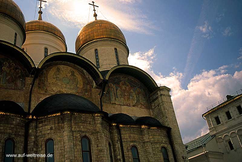 Russland, Moskau, Kreml, Portal, Kuppeln, Bauwerk, historisch, Zar, russisch, orthodox, Kirche, Kathedrale, Maria-Entschlafens-Kathedrale