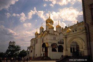 Russland, Moskau, Kreml, Terjempalast ,Terjemkirchen, Kirche, russisch, orthodox, Zar, Himmel, Wolken, blau, weiß