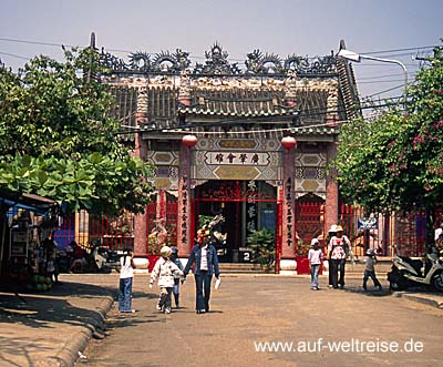 Vietnam, Ho An, Zentralvietnam, Hoi Quan Quang Dong, Südchinesisches Meer, Museumsdorf, UNESCO, Südostasien, Seidenstraße, Boote, Fluss, historisch Menschen, Wasser, Bäume, Häuser, Versammlungshalle