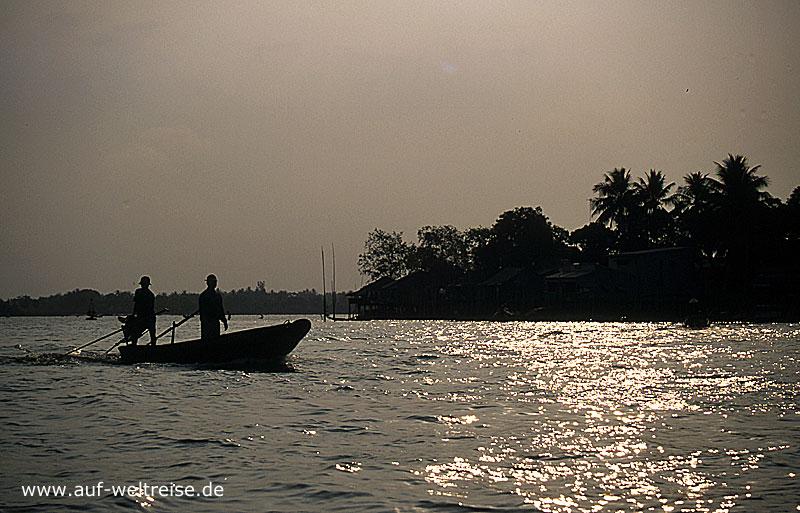 Vietnam, Südostasien, Asien, Mekong, Delta, Boot, Schiff, Menschen, Männer, Fluss, fahren