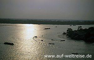 My Tho, Vietnam, Südostasien, Asien, Mekong, Delta, Boot, Fluss, Männer, unterwegs