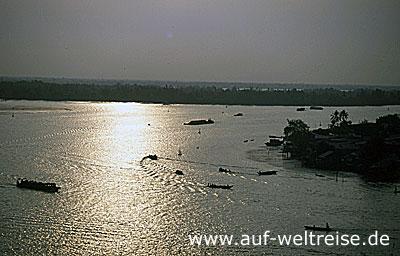 My Tho,Fluss, Vietnam, Mekong, Delta, Südostasien, Asien, Boot, schwimmender Markt, Frau, Bananen, Ladung
