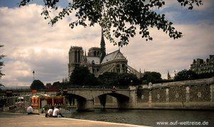 Frankreich, Kathedrale, Kirche, Notre.Dame, Notre Dame, glauben, Religion, Dom, Gotik, Architektur, Bauwerk, Kunst, Mittelalter, Paris, Europa, Nacht, Licht, blau, Seine, Fluss, Ufer