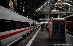 Bahnhof, Deutschland, Europa, Zug, Bahn, ICE, Schnellzug, Halt, Bahnsteig