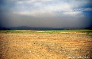 Mongolei, Zentralasien, Zentral-Aimak, Wüste, Steinwüste, Sturm, Wind, Steine, Wolken, bewölkt, Regen