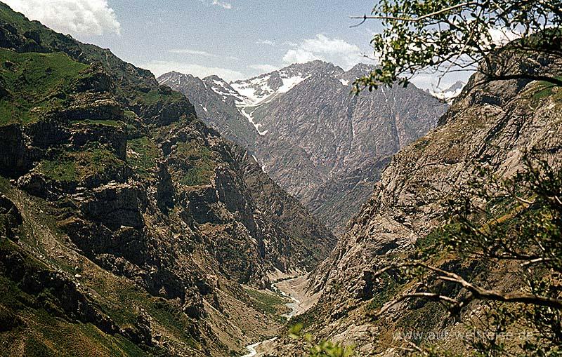 Tadschikistan, Pamir, Gebirge, Berge, Zentralasien, Asien, hoch, Berg, Felsen, felsig, Himmel, blau, grün